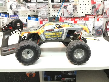 Selling: Rare Traxxas Maximum Destruction Monster Truck