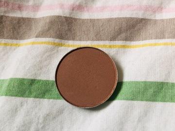 Venta: MAC sombra WEDGE nueva. Perfecta para transiciones y marcar cuenc