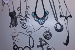 Liquidation Lot: 50 pieces Statement Necklaces -High Qualilty
