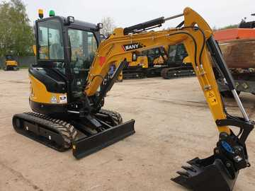 Hourly Equipment Rental: Brand New 3 Tonne Excavator Operated