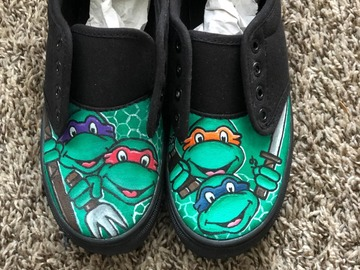 Selling with online payment: Handpainted Ninja Turtle Shoes
