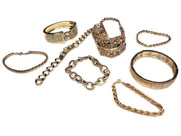 Buy Now: 55 pcs-- Department Store Bracelets-- all Goldtone-- $1.79 pcs