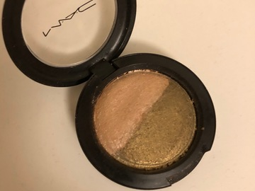 Venta: Sombra MAC bright side/gallery gal