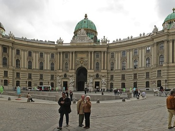 Offering with online payment: Vienna Grand City Tour 8 Hours (1 -3 Pax)
