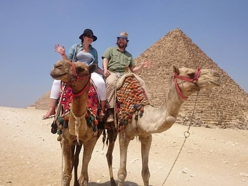 Offering with online payment: Full Day Pyramids of Giza & Sphinx & the Egyptian Museum