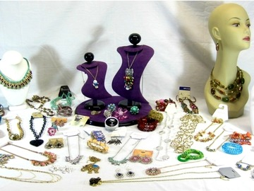 Compra Ahora: 200 Pieces Brand New Assorted Store Jewelry
