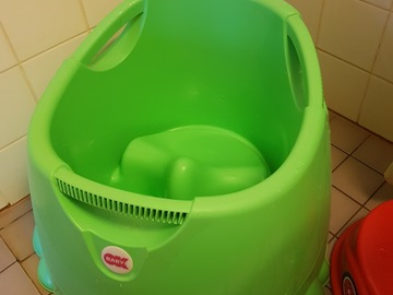 Selling: A bath tube for a baby, pick up from Otanimei