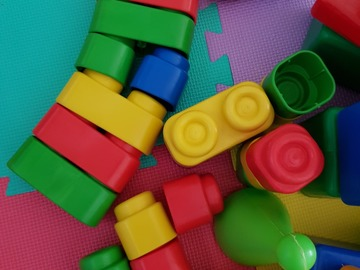 Selling: Colourful cubes, kids game [RESERVED]