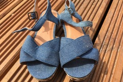 Selling with online payment: Sandals, infant size 11