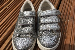 Selling with online payment: Glitter pumps Next, size 13