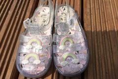 Selling with online payment: Jelly shoes, size 12