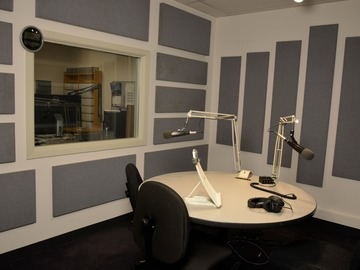 Rent Podcast Studio: Chicagoland Area Studio Rental