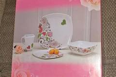 Buy Now: 100 pieces of 4 pc melamine floral dinnerware