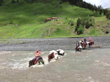 Réserver (avec paiement en ligne): Self sufficient horseback trek in Tusheti - Georgia