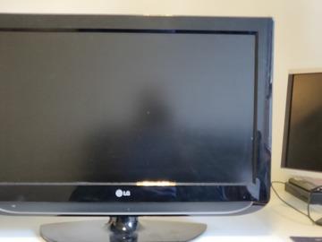 """Myydään: LG TV 32"""""""