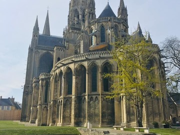 Offering with online payment: Bayeux walking tour and tapestry (2 hours for 2 pers.)