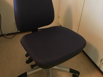 Myydään: Heavy desk chair in good condition