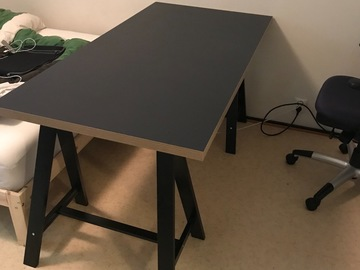 Myydään: Desk in very good condition