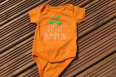 Selling with online payment: Pumpkin vest, age 3-6 months