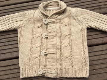 Selling with online payment: Cardigan, age 6-9 months