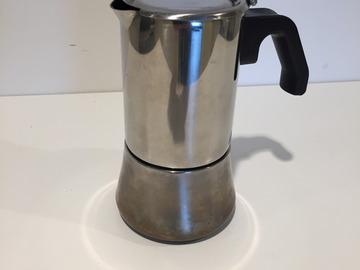 Selling: Coffee pot