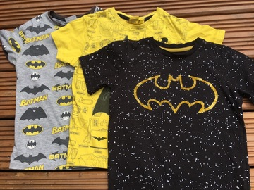 Selling with online payment: Batman T's, age 8-9