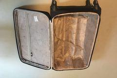Myydään: well condiction 28-inch suitcase