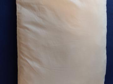 Myydään: Pillow