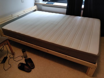 Selling: Awesome Bed with mattress 140x200