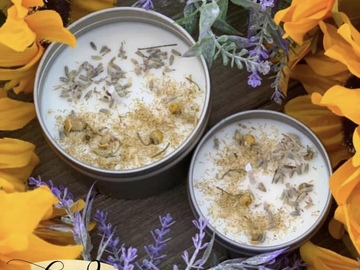 Selling with online payment: Lavender & Chamomile Essential Candle