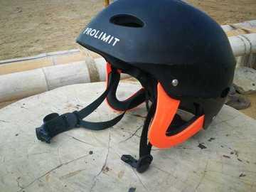 Daily Rate: Protection Helmet - Medium