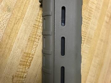 Selling: Magpul MOE Carbine length handguard