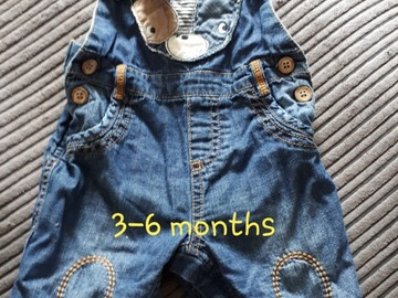 Selling with online payment: Dungarees, age 3-6 Mths