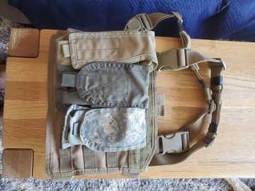 Selling: Chest rig with rando pouches