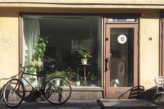 Renting out: Studio spot in Alppila/ Pöytäpaikka Alppilassa