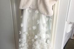 Ilmoitus: Morsiustytön mekko + keeppi 5-6-vuotiaalle