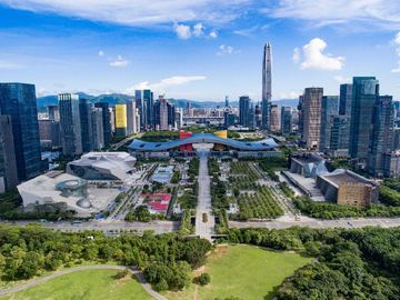 Offering with online payment: Shenzhen Private Tour With Local