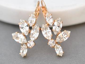 Ilmoitus: Kauniit kristallikorvakorut