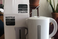 Selling: 1.7 l Electric Kettle for Sale