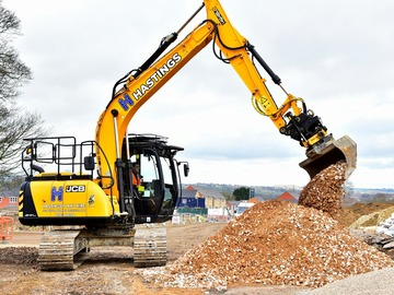 Hourly Equipment Rental: JS131 Excavator with engcon tiltrotator