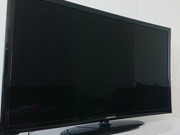 """Myydään: Samsung 40"""" Full HD TV"""
