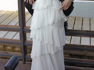 Ilmoitus: Elegant and romantic wedding dress by Marchesa Notte