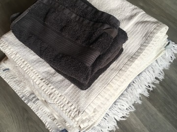 Myydään: Different towels