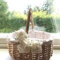 Ilmoitus: Morsiusneidon kori + ruusun terälehdet