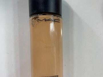 Venta: Bases de maquillaje MAc, benefit y kat von d