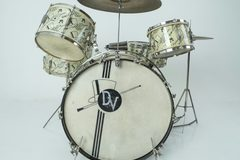 "Selling with online payment or cash/check/money order/cash app/Venmo: Ludwig 1941 Top Hat and Cane ""Swing Sensation"" Complete Set"