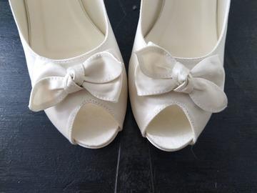 Ilmoitus: Ivory kengät 40
