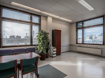 Renting out: 20m2 kulmahuone järvinäkymin keskustassa