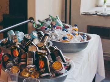 Ilmoitus: Isot astiat juomille