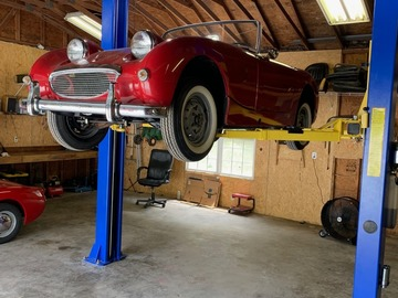Daily: Charlotte Area Garage with Two Post Lift